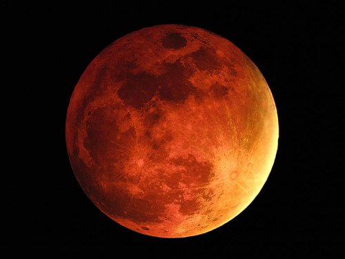 Picture from http://jayinreallife.wordpress.com/2010/05/28/blood-moons-explianed-gods-holy-days/
